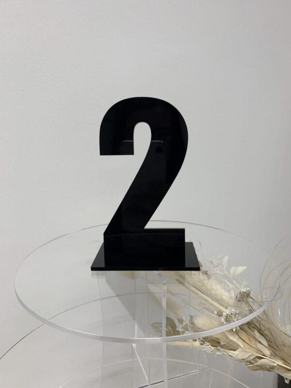 Bordnummer udskåret